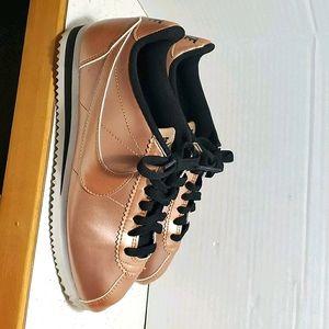 Bronze NIKE Cortez women's running shoes